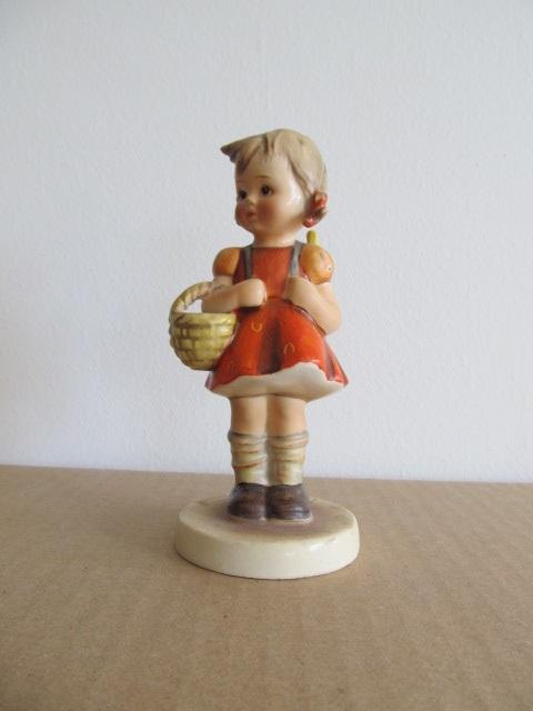 Bibelou din ceramica , fetita , vintage (3)