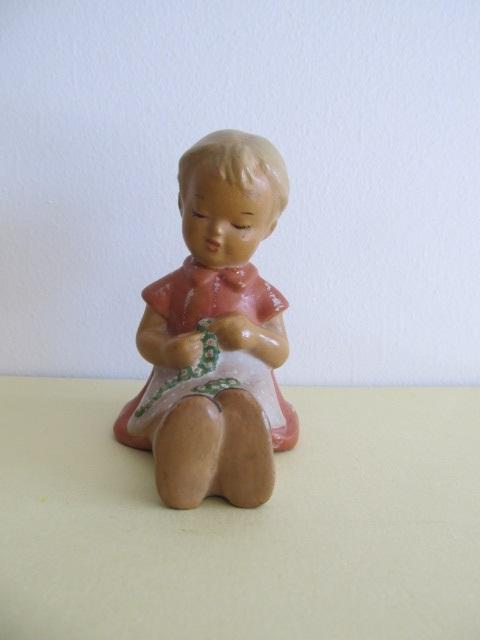 Bibelou din ceramica , fetita , vintage (6)