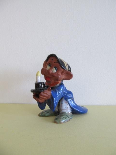 Bibelou din ceramica , pitic cu lumanare , vintage (7)