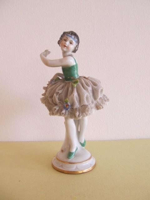 Bibelou din portelan , balerina (14)