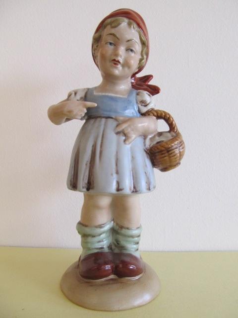 Bibelou din portelan , Scufita Rosie (11)