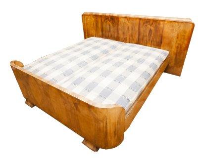 Dormitor , vechi , lemn masiv