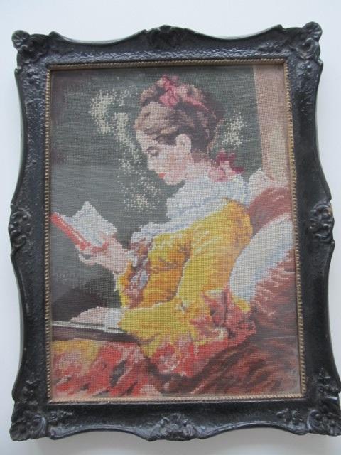 Tablou goblen , Femeie cu carte , 22 x 30 cm