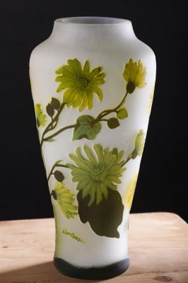 Vaza tip Galle (1) , Anii 60 , Pictura manuala